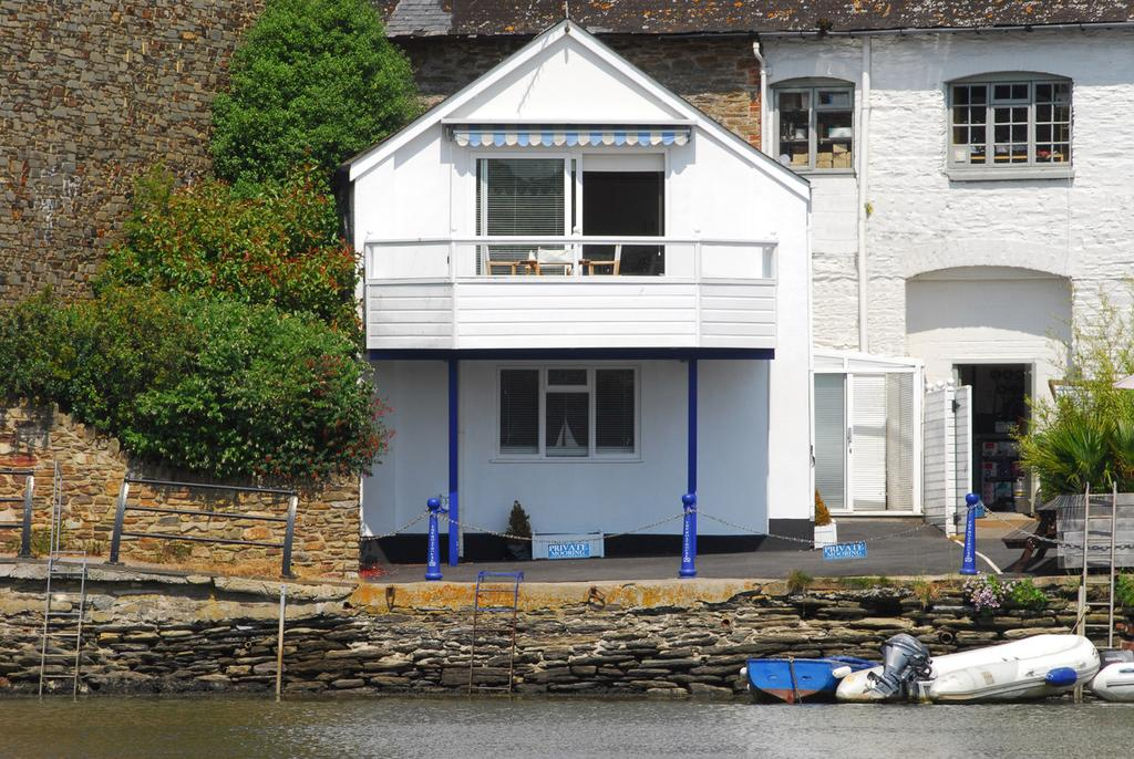 Photo of the front of the Boathouse
